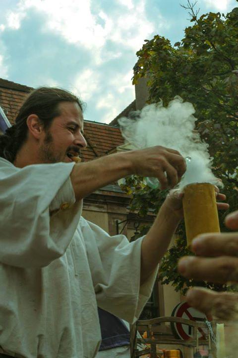 Sirius-magicien-spectacle-medieval-magie-auberge des gueux-alchimie